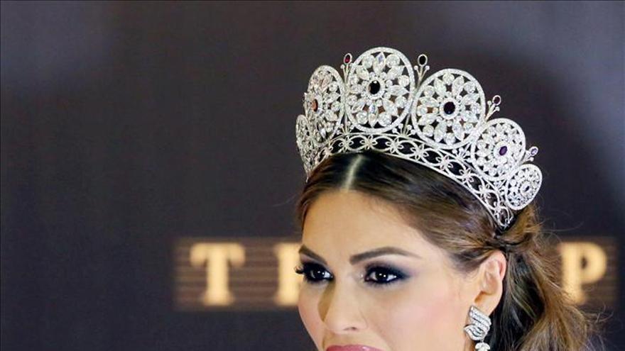 Maduro felicita a Isler, la séptima venezolana que se corona Miss Universo