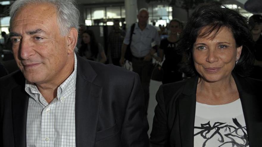 Anne Sinclair deja abierta la posibilidad de escribir sobre Strauss-Kahn