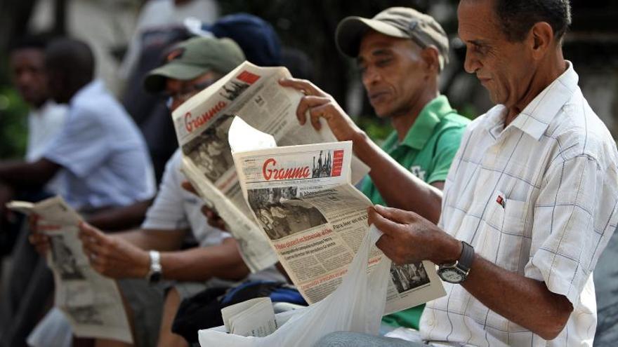Periodista del diario Granma asilada critica monopolio estatal de los medios