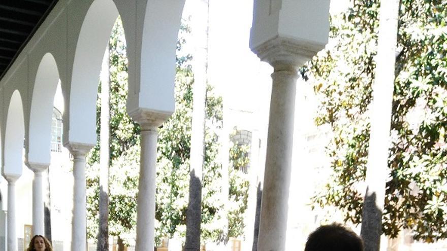 El Parlamento de Andalucía tendrá que instalar caracolas si llegan todos los expedientes de formación