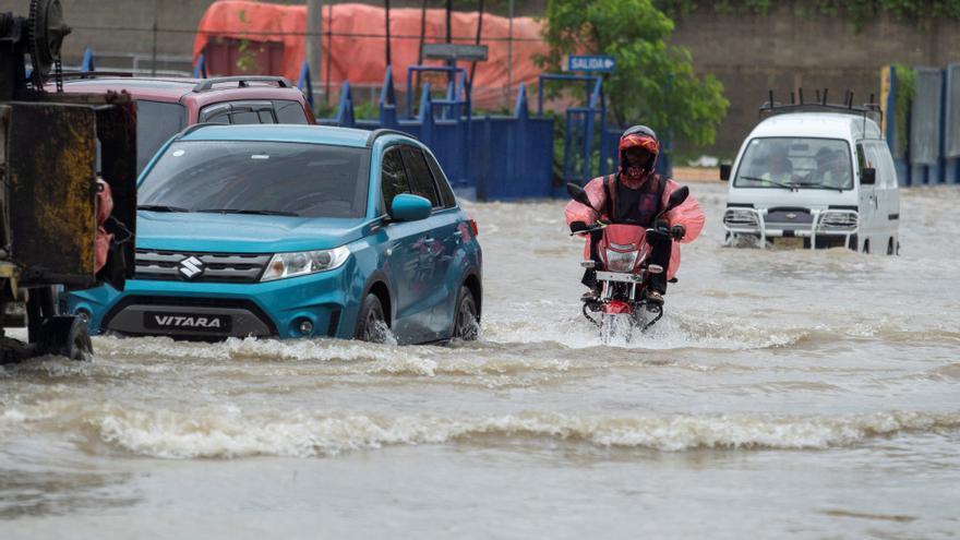 El huracán Grace se fortalece rumbo a la península de Yucatán, en México