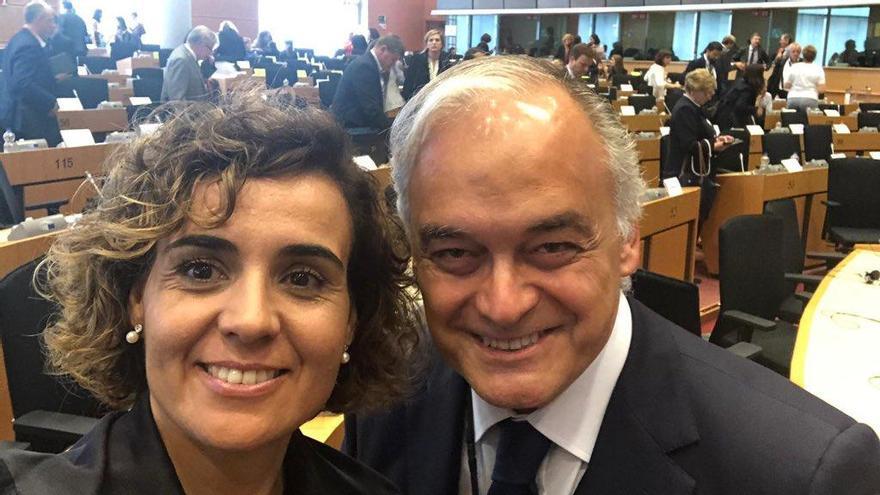 Dolors Montserrat y Esteban González Pons, el 5 de junio en la Eurocámara.
