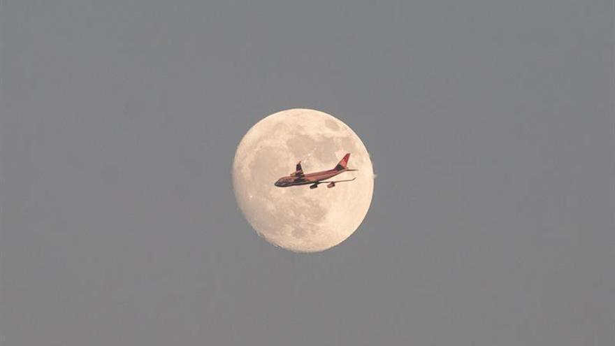La demanda de transporte aéreo aumentó un 5,7 % en septiembre