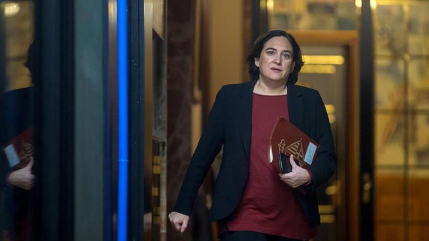 "Ada Colau: ""Si ERC deja de subordinarse a la antigua CiU, nos encontraremos"""