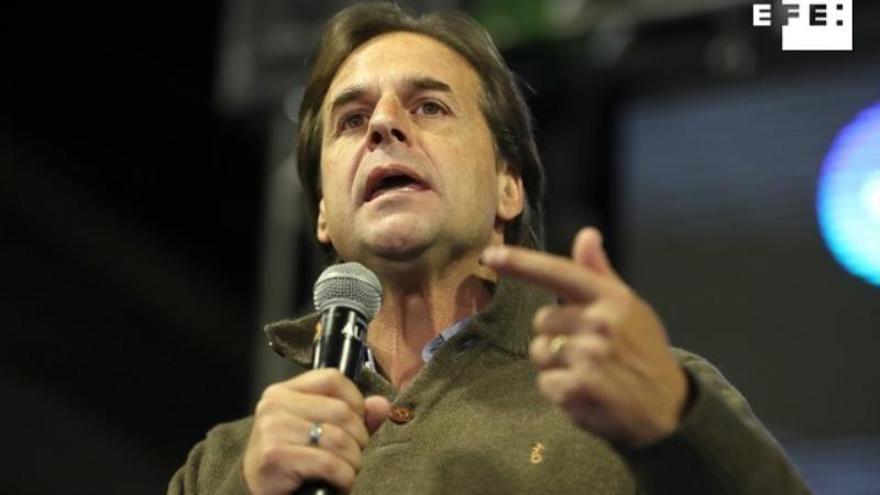 Líder opositor brinda por Gobierno de coalición en cierre campaña en Uruguay