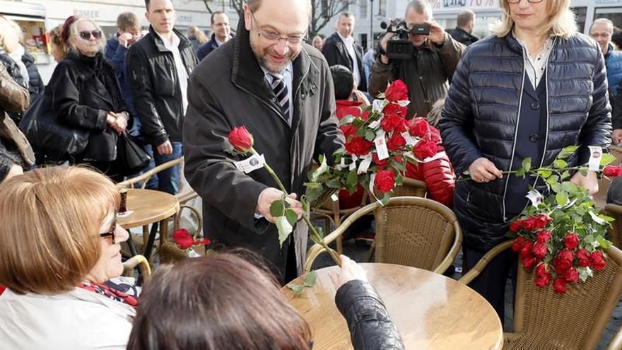 """El """"Land"""" alemán del Sarre celebra regionales consideradas un test Merkel-Schulz"""