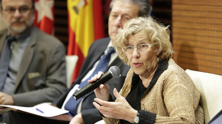 """Carmena dice que con la dimisión de Aguirre se ve que """"un gobierno y el PP se sostenían en una trama criminal"""""""