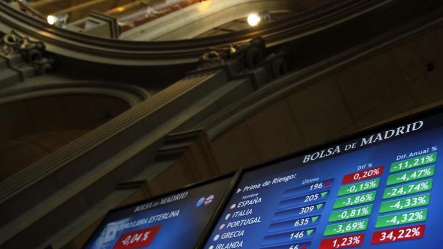 La prima de riesgo de España se reduce en la apertura a 208 puntos básicos