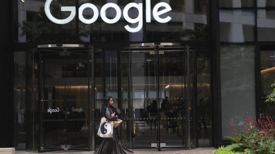 Vista del exterior de una oficina de Google.