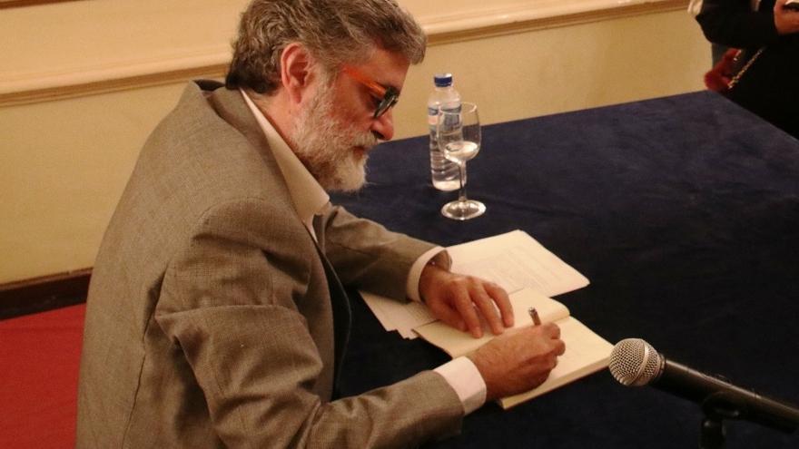 Anelio Rodríguez Concepción el día de la presentación de su libro en el Club Náutico.