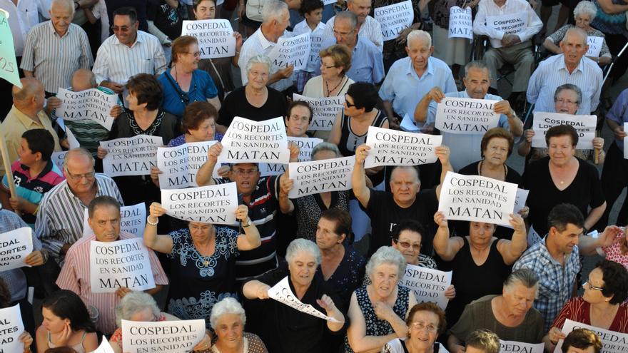 Manigestación contra el cierre del centro de salud en honrubias