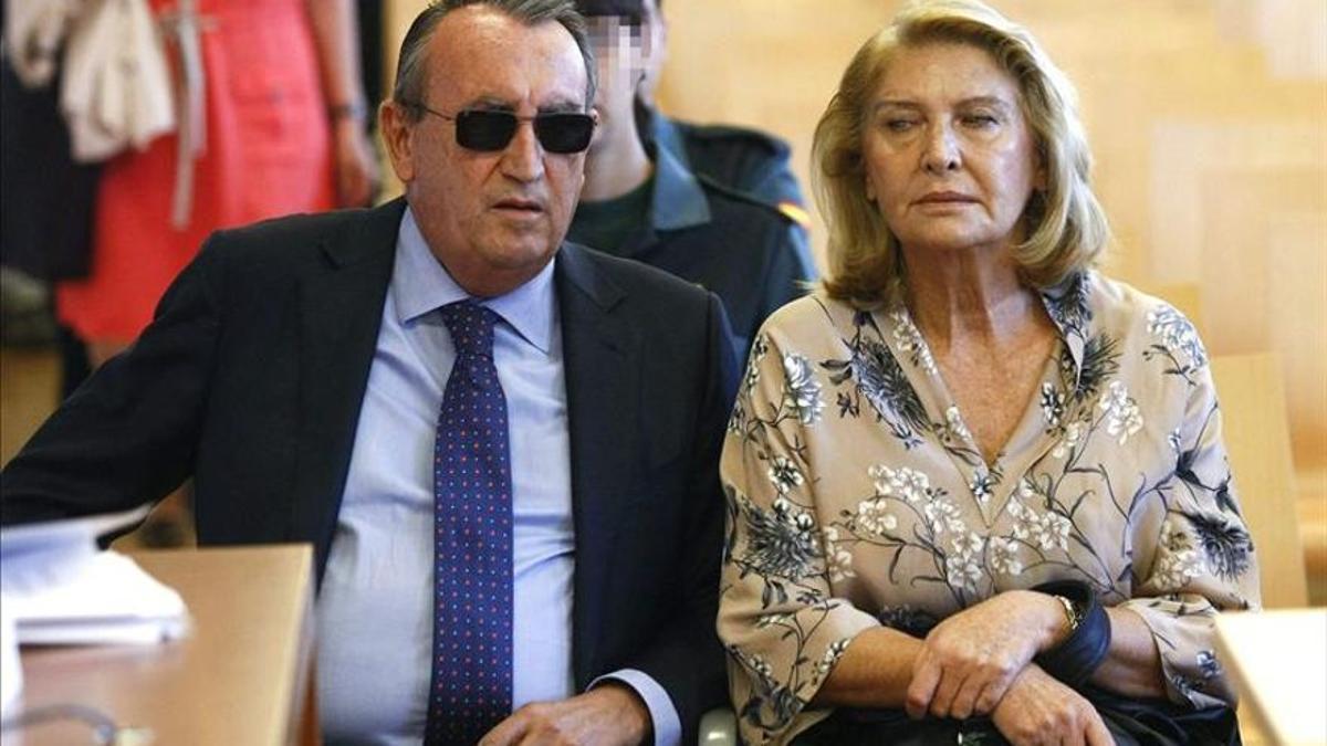 Carlos Fabra i la seua exdona, durant la vista oral del seu judici.