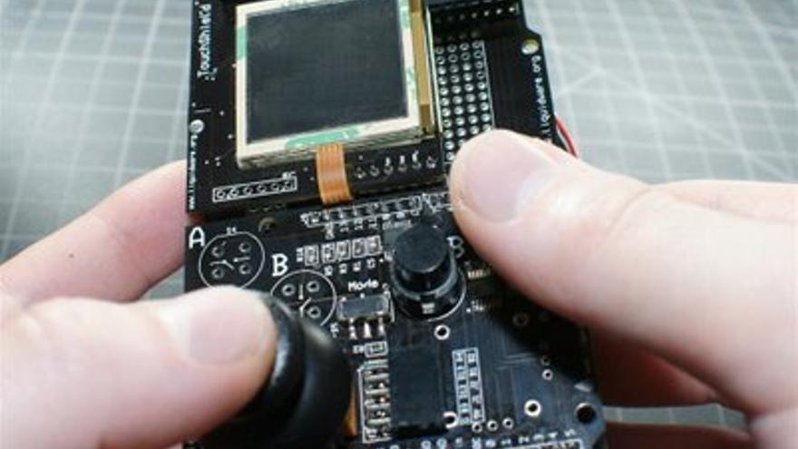 Game Boy de código abierto (Foto: Antipastohw)
