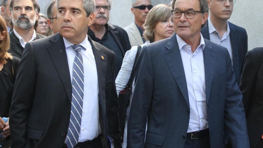 Francesc Homs acompañado por Artur Mas, a las puertas del Supremo.