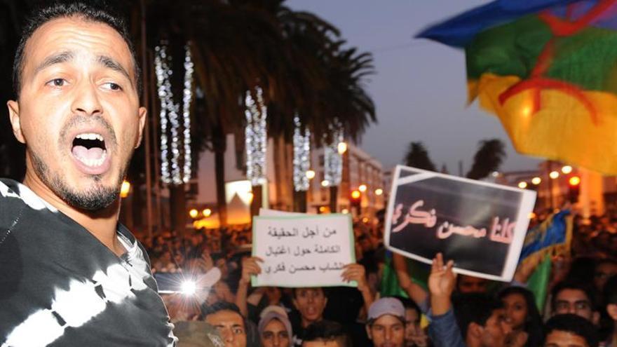 Miles de manifestantes contra la muerte del joven del camión en Marruecos