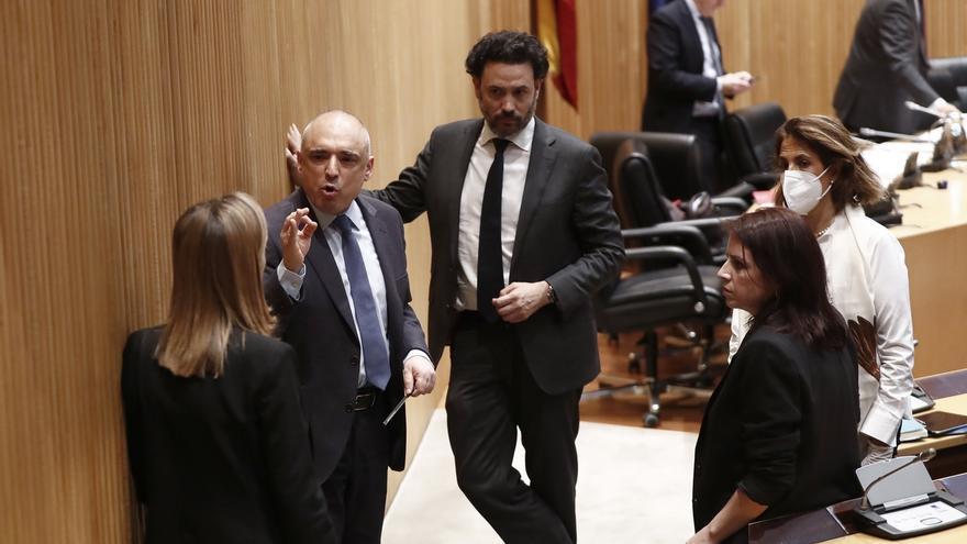 Gobierno y PP vuelven a reunirse para acercar posturas antes de votar el dictamen mañana