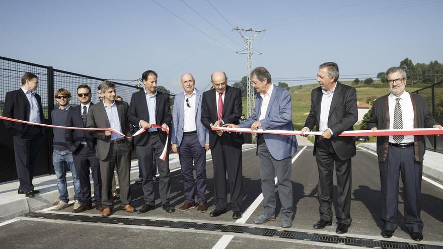 Inaugurado el nuevo puente sobre el apeadero de FEVE en Gornazo