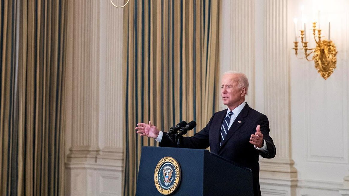 Joe Biden quiere avanzar de forma masiva y obligatoria con la vacunación en EEUU