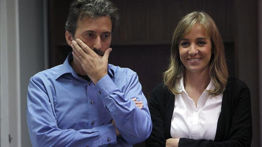 Tania Sánchez comunicó por un mensaje de móvil que dejaba IU