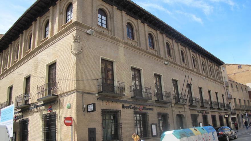 Oficina principal de Ibercaja en Huesca.
