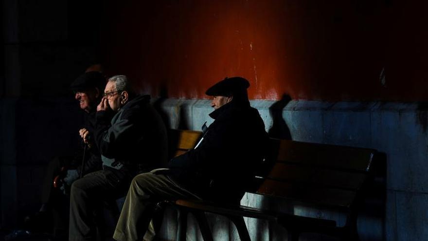 Bancos y aseguradoras intensifican la guerra para captar planes de pensiones