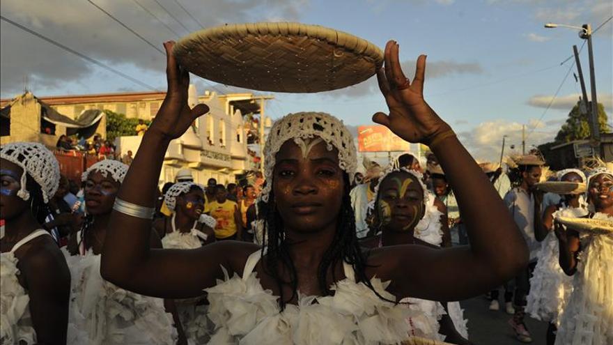 Haití celebra el carnaval en medio de una continua tensión política