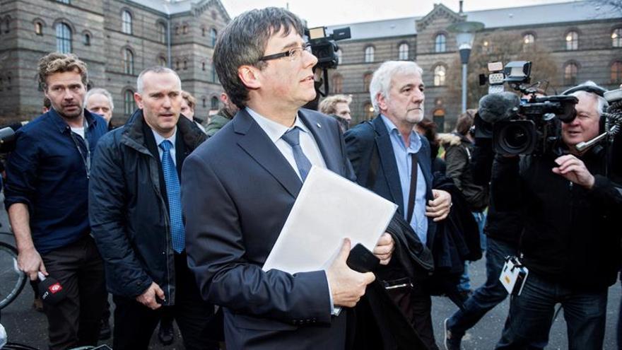 Puigdemont se reafirma en que hay presos políticos en España