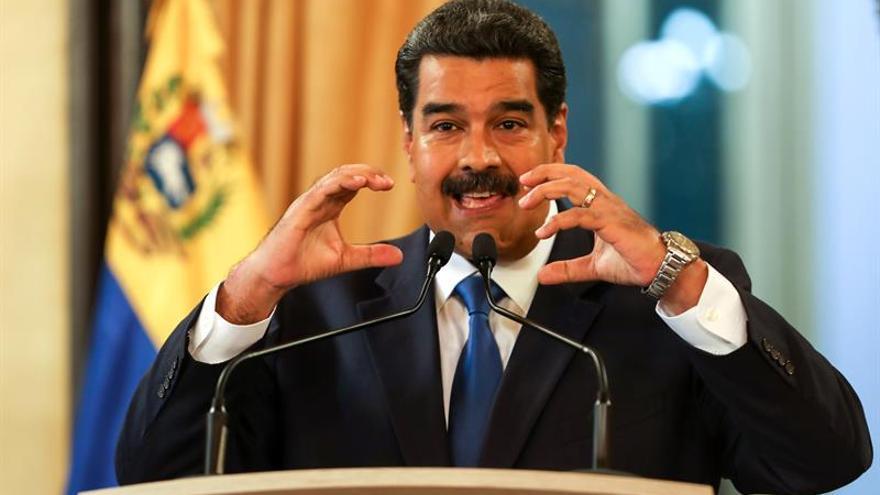 """Maduro dice contar con la """"total lealtad"""" de los jefes militares de Venezuela"""