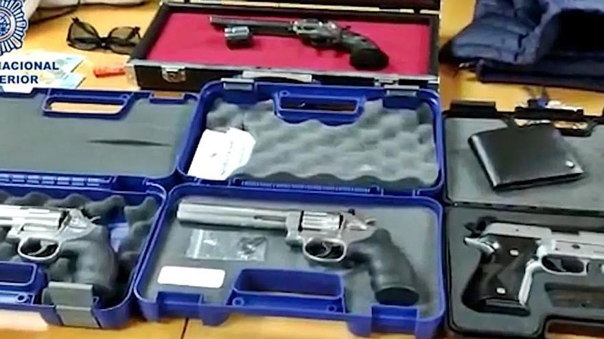 Armas incautadas por la Policía Nacional a los detenidos en Chamberí   JEFATURA SUPERIOR DE POLICÍA DE MADRID