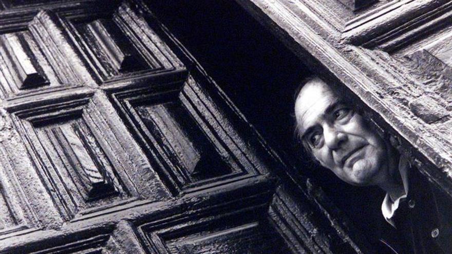 La vida y obra del poeta Arturo Maccanti se expone en Tenerife