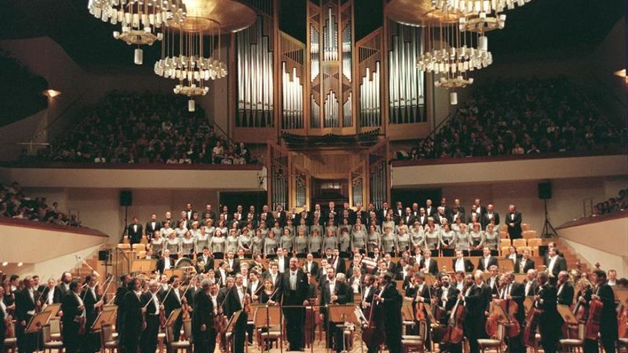 La Orquesta y Coro Nacionales de España saca su vestuario a concurso
