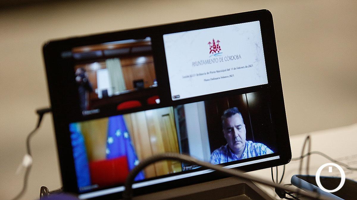 Manuel Torrejimeno participa en el Pleno telemático del Ayuntamiento de Córdoba.