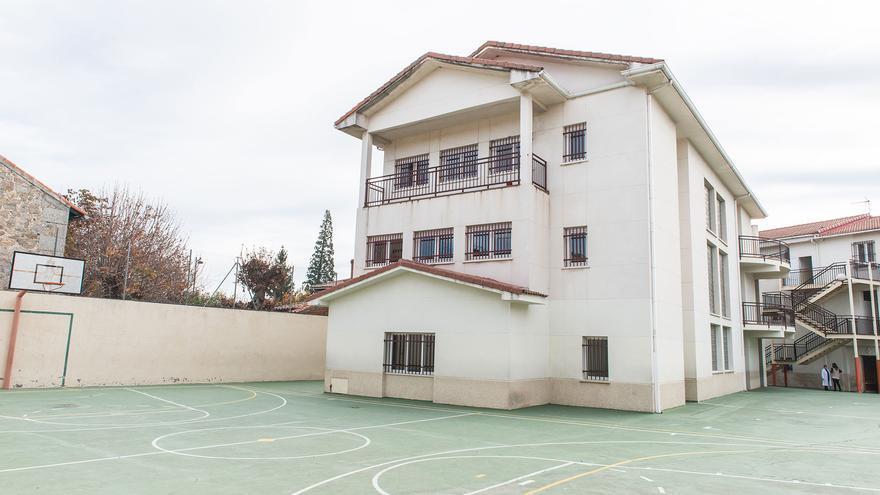 Una de las fachadas del colegio Juan Pablo II y la Inmaculada de Guadarrama. / Web del centro