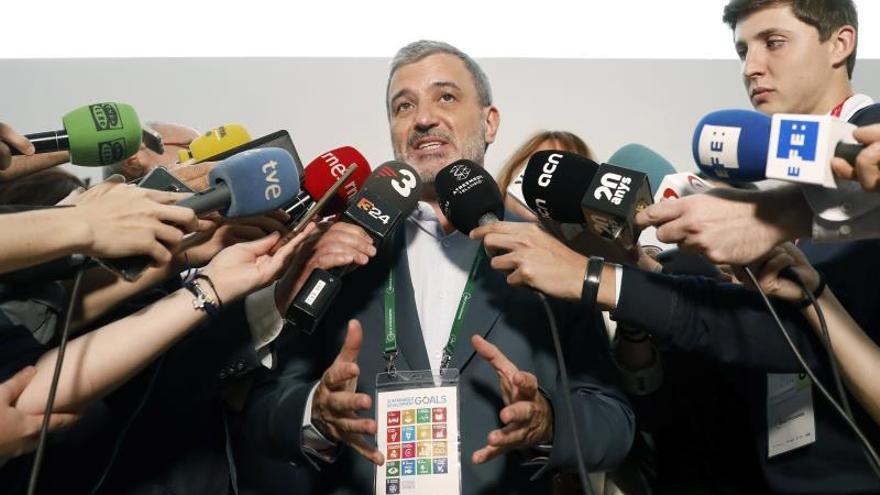 Collboni pide a Colau un pacto de gobierno antes de la investidura