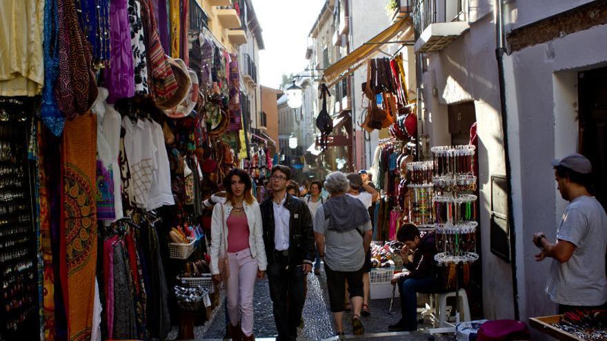 Facebook puesto besando en Granada