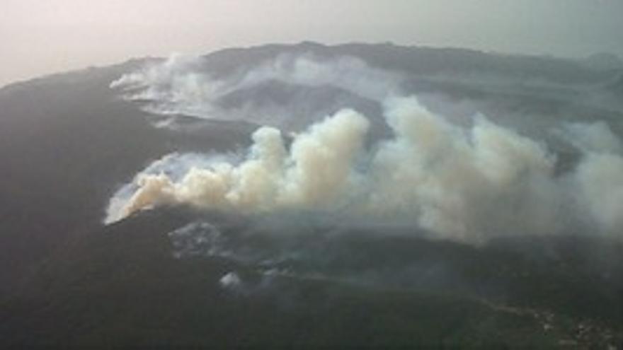 Imagen aérea del incendio en La Gomera.