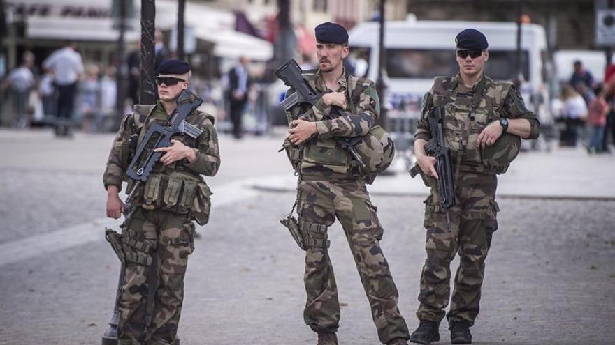 Francia estrena su nuevo dispositivo de alerta antiterrorista