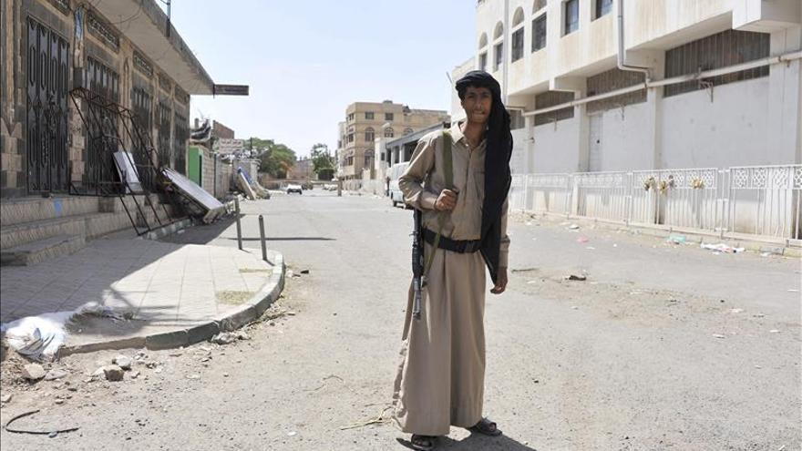 Dirigente de Al Qaeda acusa a EEUU de respaldar a milicianos chiíes en Yemen