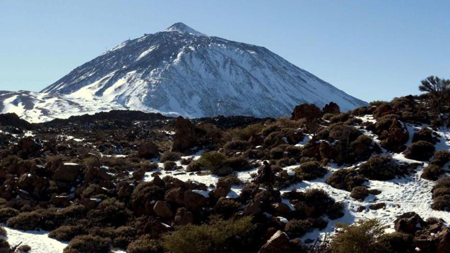 Sin rastro del montañero desaparecido en el Teide pese al amplio despliegue
