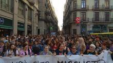 """Una marcha recorre las calles Barcelona contra sentencia de 'la manada': """"No es no y el resto es violación"""""""