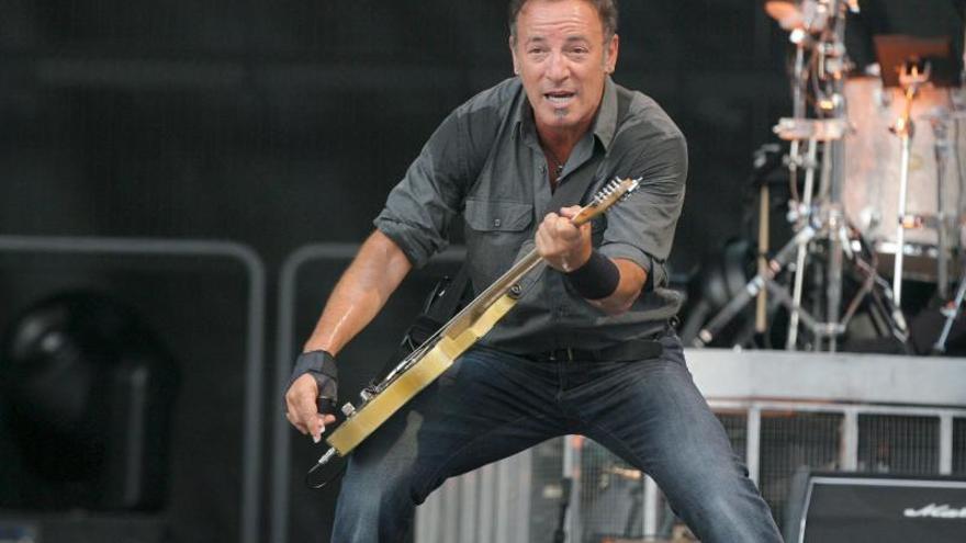 El nuevo álbum de Springsteen encabeza la lista de éxitos en el Reino Unido