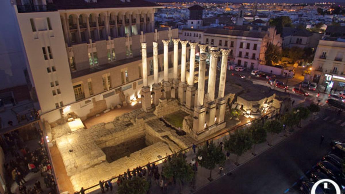 El templo Romano, iluminado. | MADERO CUBERO