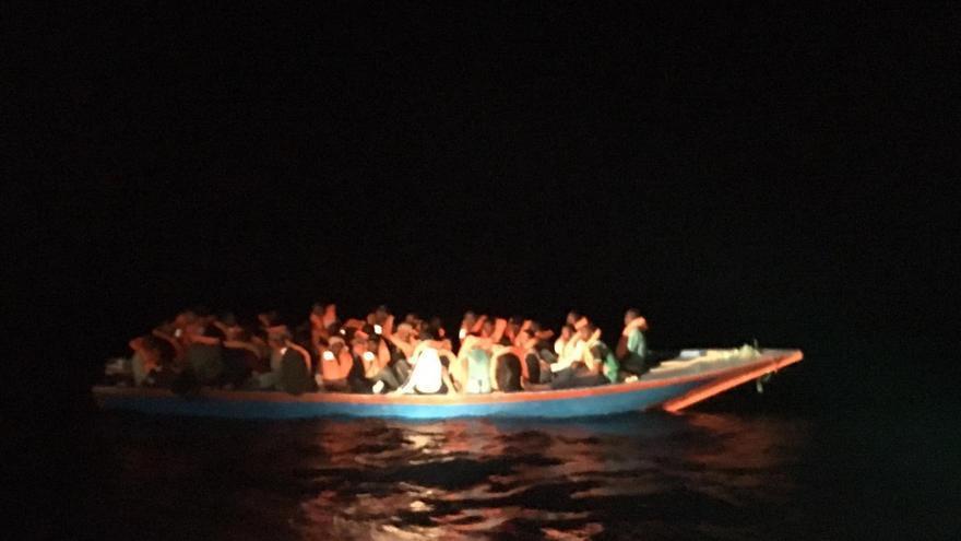 Imagen de los rescatados por Proactiva Open Arms este domingo.