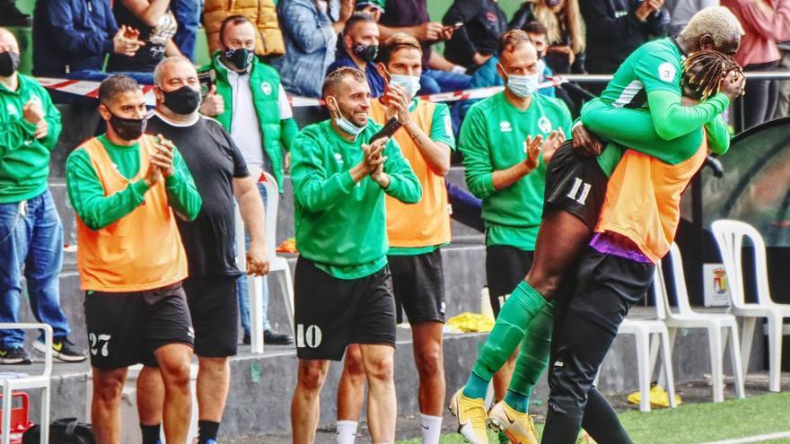El Atlético Paso golea para afianzarse en el liderato