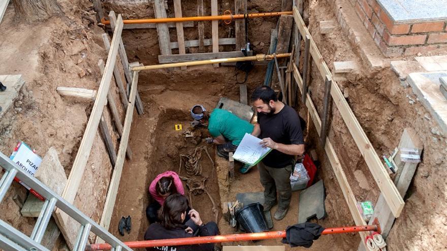 Exhumación en el cementerio de Guadalajara que permitió identificar a Timoteo Mendieta