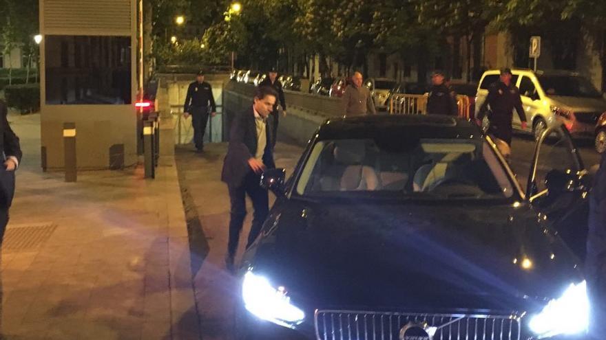 Javier López Madrid, mientras abandona la Audiencia Nacional tras quedar en libertad bajo fianza / M. P.