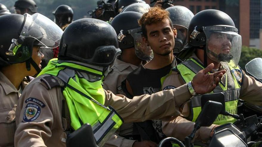 Francia deplora la violencia en Venezuela y pide respetar a los manifestantes