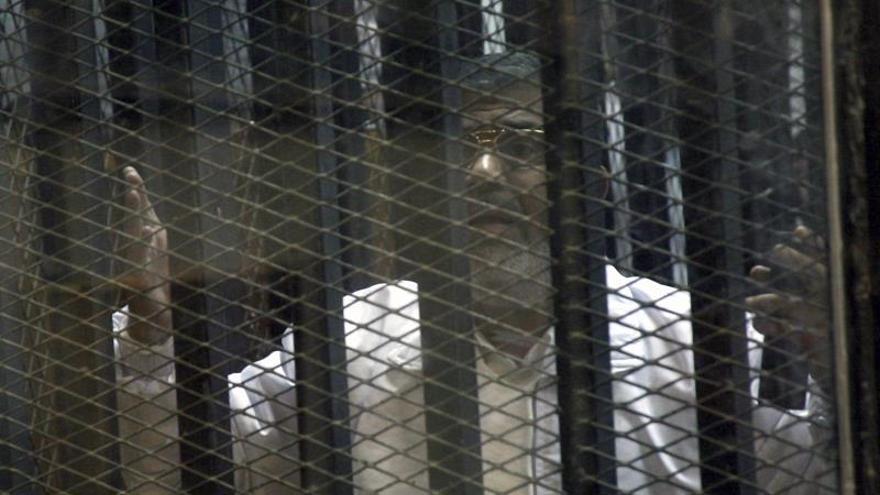 """Los Hermanos Musulmanes tildan el proceso a Mursi de """"comedia disfrazada de juicio"""""""