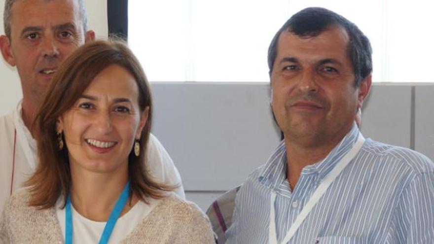 La presidenta del PP de Fuerteventura, Águeda Montelongo, junto al expresidente del Comité Local del PP de Pájara, concejal en el Ayuntamiento de Pájara y miembro del Grupo Mixto, Domingo Pérez
