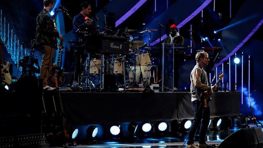 Maroon 5 o cómo colarse en un festival latino y no morir en el intento
